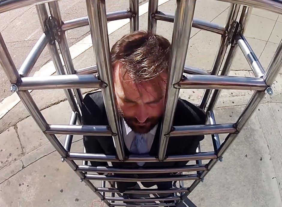 Gestation crate challenge in NJ (Photo: HSUS)