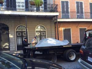 Dead carriage mule of flatbed truck (photo: Nola Defender)