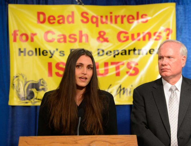 FOA's Edita Birnkrant & State Senator Tony Avella announce bill to ban wildlife killing contents