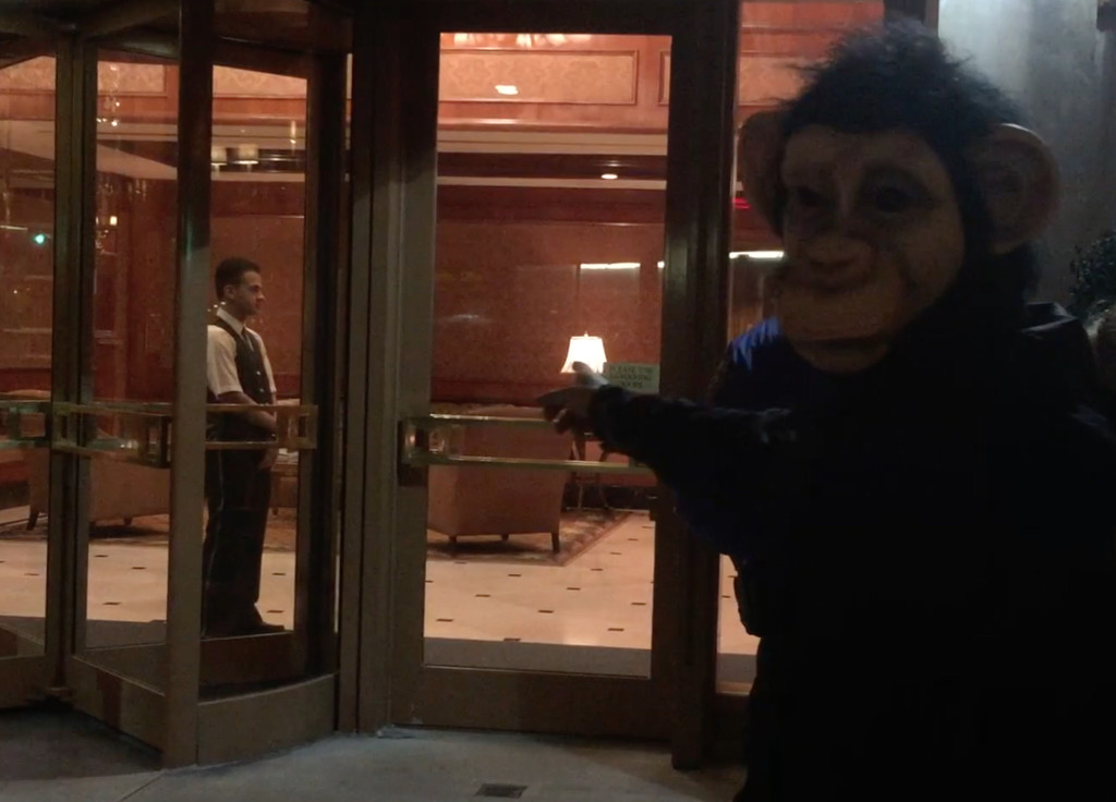 A hungry chimpanzee goes to Laurie Glimcher's building to ask for food. Glimcher lives in a 6 bedroom, 7 bathroom condo.